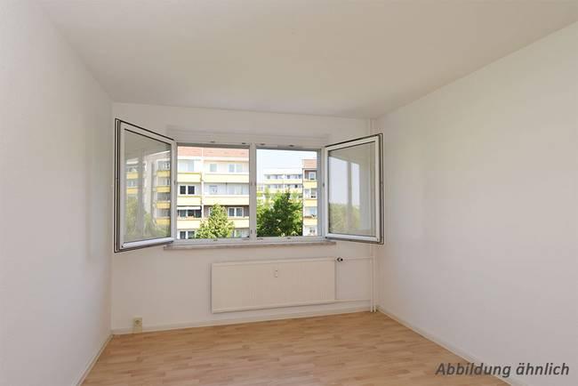 Schlafzimmer: 3-Raum-Wohnung Heidekrautweg 1