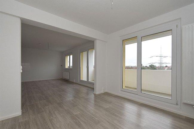 Wohnzimmer (3): 4-Raum-Wohnung Guldenstraße 23
