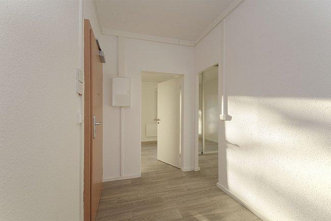 Flur: 3-Raum-Wohnung Genthiner Straße 15