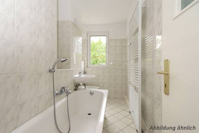 Bad: 4-Raum-Wohnung Vogelweide 33