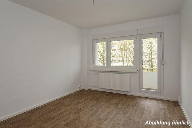 Wohnzimmer: 2-Raum-Wohnung Victor-Klemperer-Straße 18