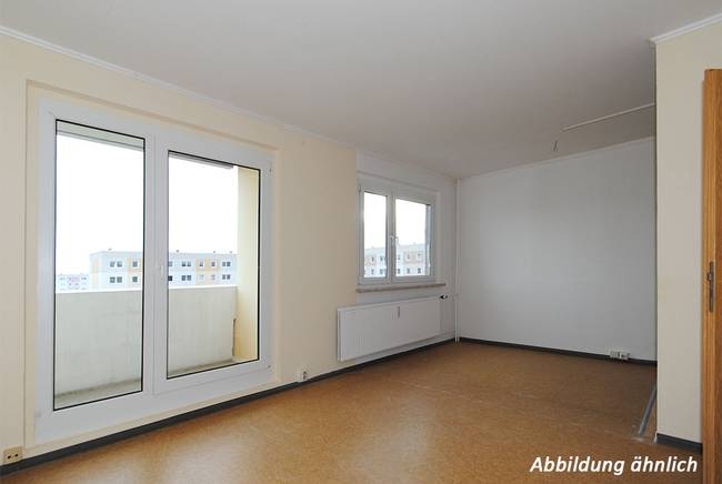 Wohnzimmer: 3-Raum-Wohnung Erich-Kästner-Straße 11