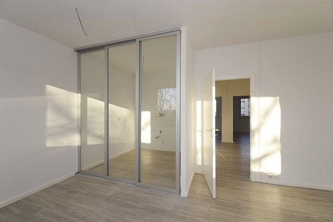 Küchenbereich: 3-Raum-Wohnung Genthiner Straße 15