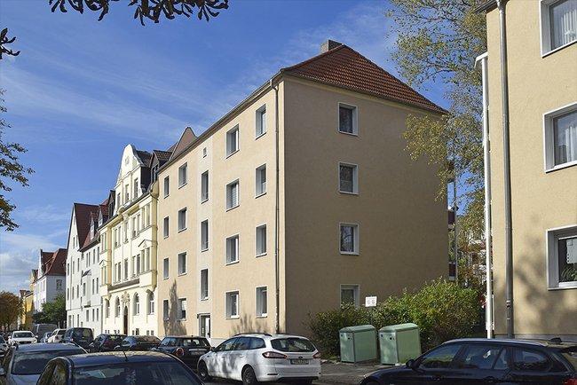 Straßenansicht: 3-Raum-Wohnung Ernst-Eckstein-Straße 31