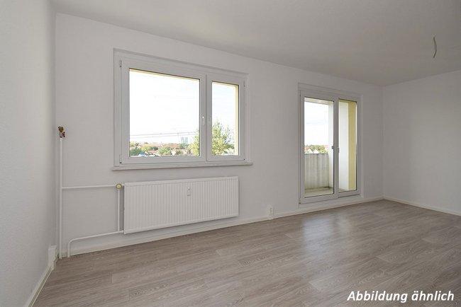 Wohnraum: 3-Raum-Wohnung Alte Heerstraße 211