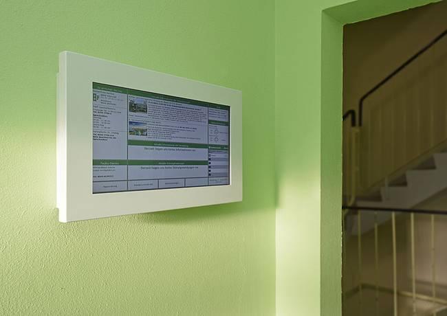 Hauseingang: 3-Raum-Wohnung Genthiner Straße 7