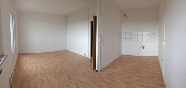 Wohnbereich: 3-Raum-Wohnung Erich-Kästner-Straße 10