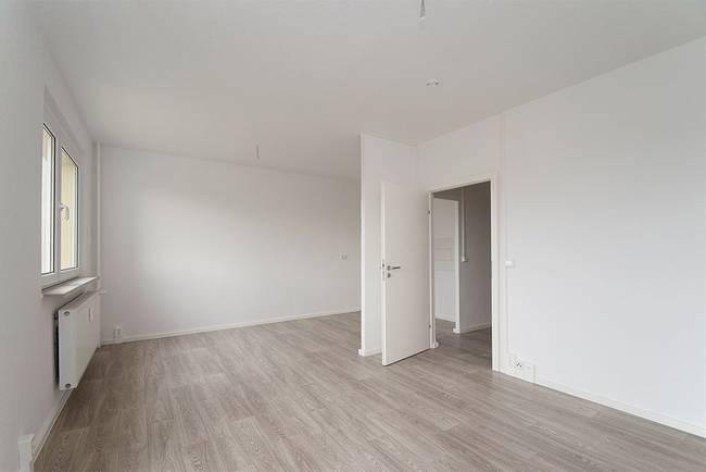 Wohnzimmer: 3-Raum-Wohnung Genthiner Straße 7