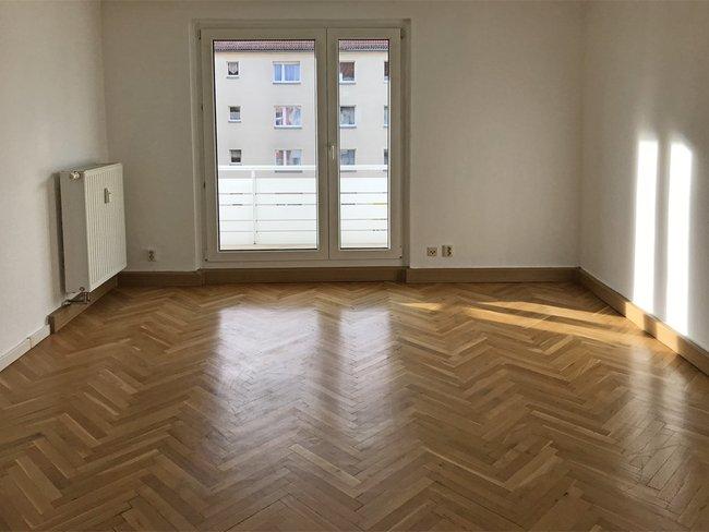 Wohnzimmer: 2-Raum-Wohnung Vogelweide 65