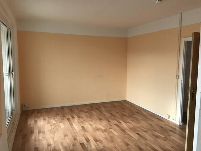 Wohnzimmer: 3-Raum-Wohnung Alte Heerstraße 200