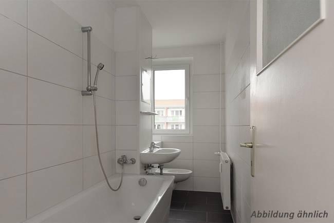 Badansicht: 3-Raum-Wohnung Südstadtring 31