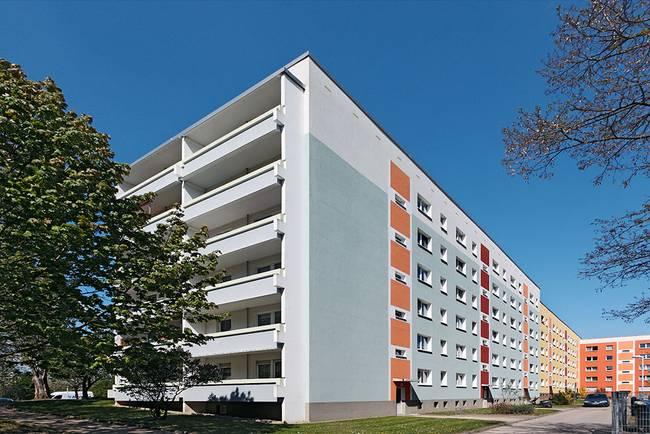 Hofansicht: 3-Raum-Wohnung Lunzbergring 5