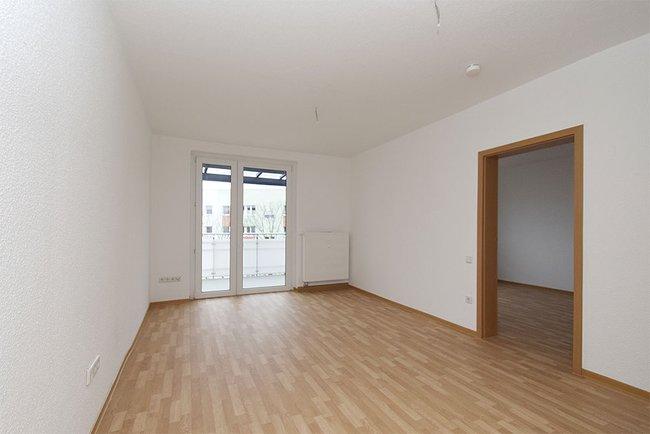 Wohnzimmer: 2-Raum-Wohnung Linzer Straße 25