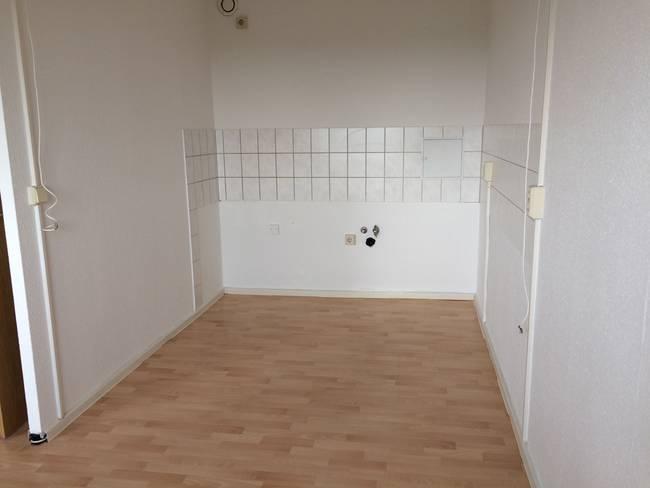Küchenbereich: 3-Raum-Wohnung Erich-Kästner-Straße 10
