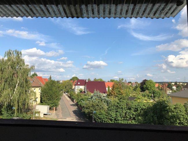 Blick auf die Rosengartensiedlung: 3-Raum-Wohnung Alte Heerstraße 210