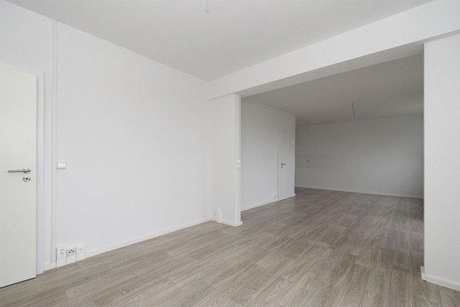 Wohnzimmer (2): 4-Raum-Wohnung Guldenstraße 23
