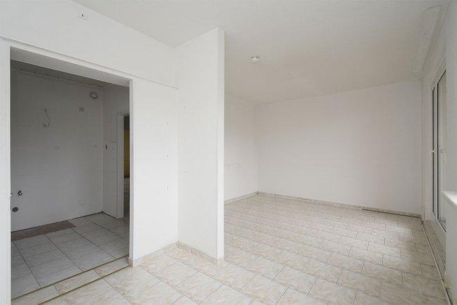 Küchenbereich: 3-Raum-Wohnung Alte Heerstraße 206