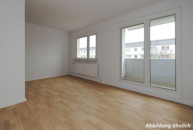 Wohnzimmer: 2-Raum-Wohnung Am Hohen Ufer 34
