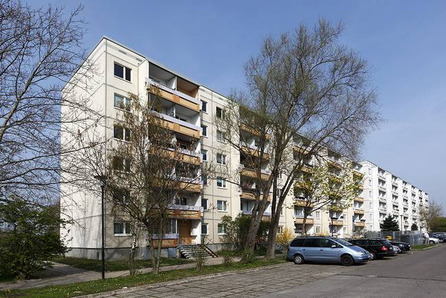 Hausansicht: 3-Raum-Wohnung Erich-Kästner-Straße 11