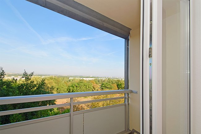 Balkonaussichten: 3-Raum-Wohnung Rigaer Straße 10