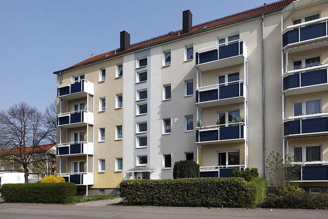 Hausansicht: 2-Raum-Wohnung Paul-Suhr-Straße 59