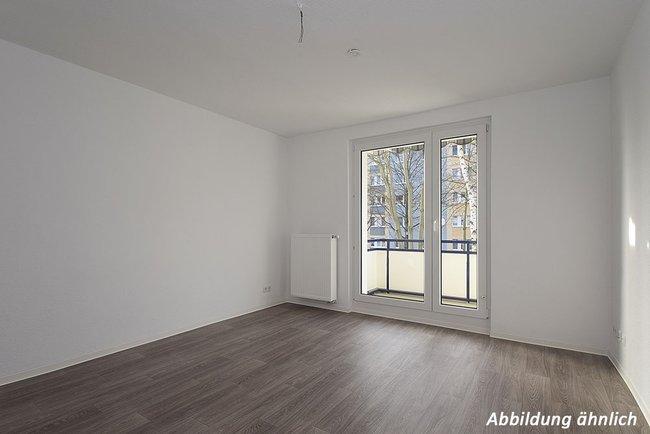 Wohnzimmer: 3-Raum-Wohnung Paul-Suhr-Straße 49a