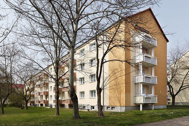 Hausansicht: 3-Raum-Wohnung Paul-Suhr-Straße 85