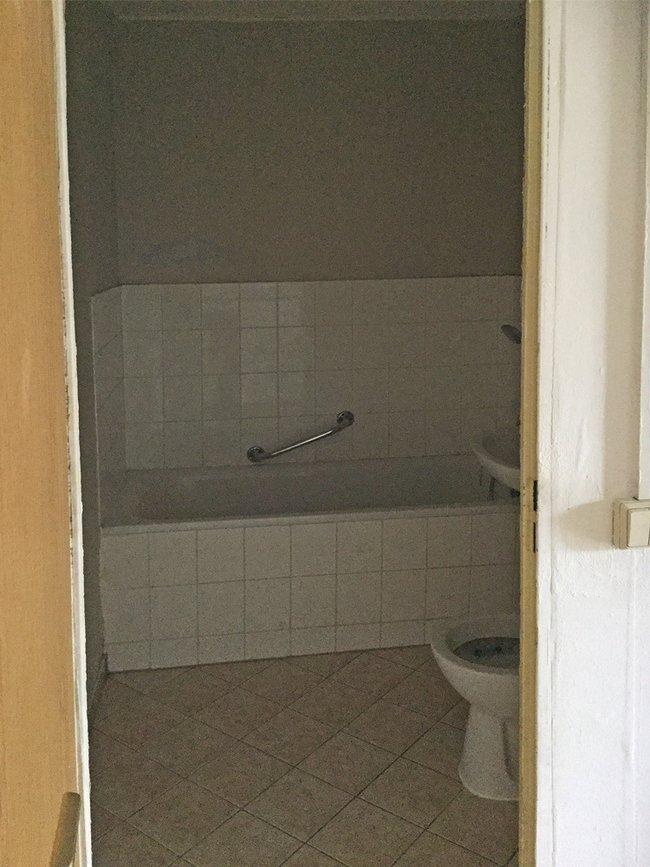 Bad: 2-Raum-Wohnung Hanoier Straße 50