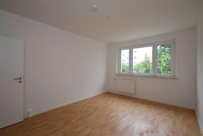 Schlafzimmer: 3-Raum-Wohnung Züricher Straße 18