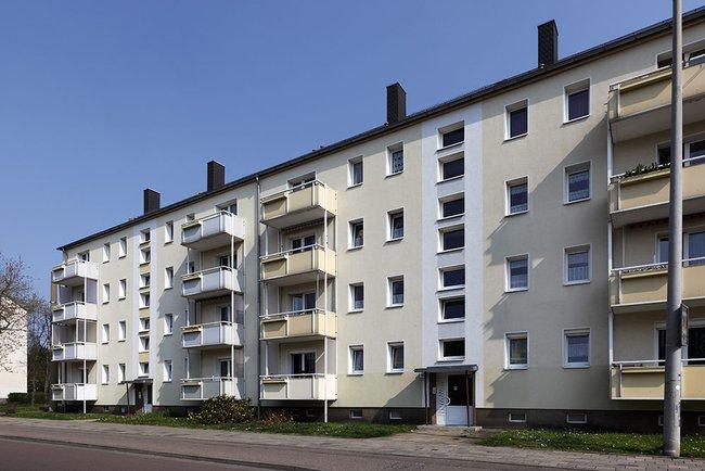 Hausansicht: 2-Raum-Wohnung Paul-Suhr-Straße 55