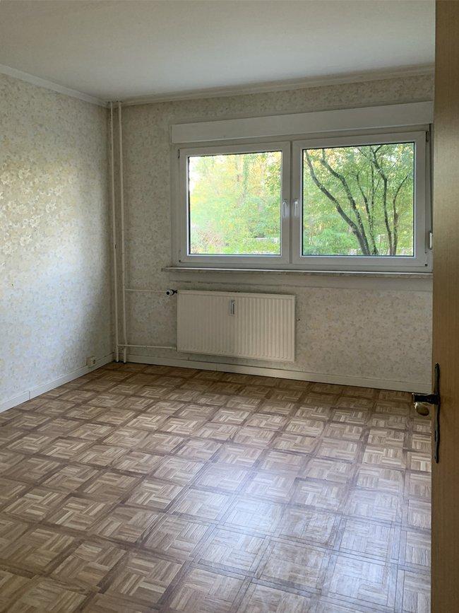 Schlafzimmer: 3-Raum-Wohnung Alte Heerstraße 202