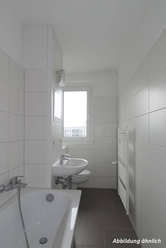 Bad: 3-Raum-Wohnung Südstadtring 27