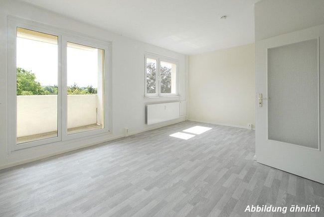 Wohnzimmer: 3-Raum-Wohnung Genthiner Straße 10