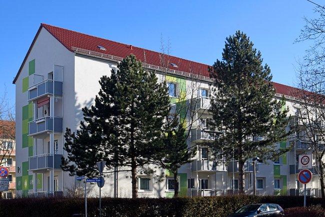 Hausansicht: 3-Raum-Wohnung Paul-Suhr-Straße 49