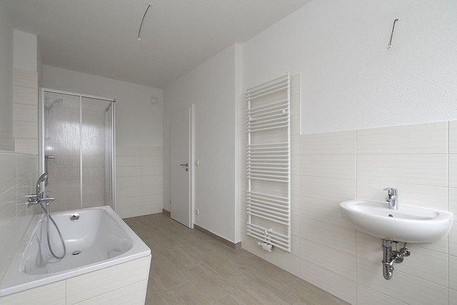 Bad: 4-Raum-Wohnung Guldenstraße 23