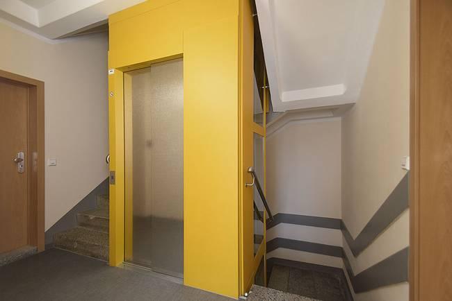 Aufzug: 2-Raum-Wohnung Am Hohen Ufer 9