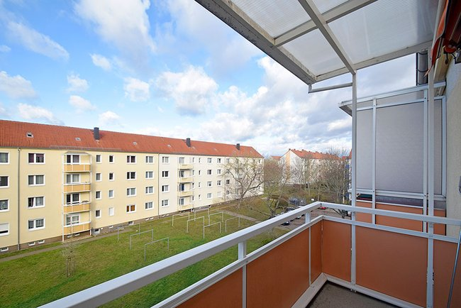 Balkon: 2-Raum-Wohnung Bukarester Straße 3