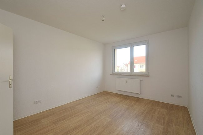 Schlafzimmer: 2-Raum-Wohnung Bukarester Straße 3