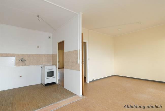 Wohnzimmer: 3-Raum-Wohnung Erich-Kästner-Straße 3