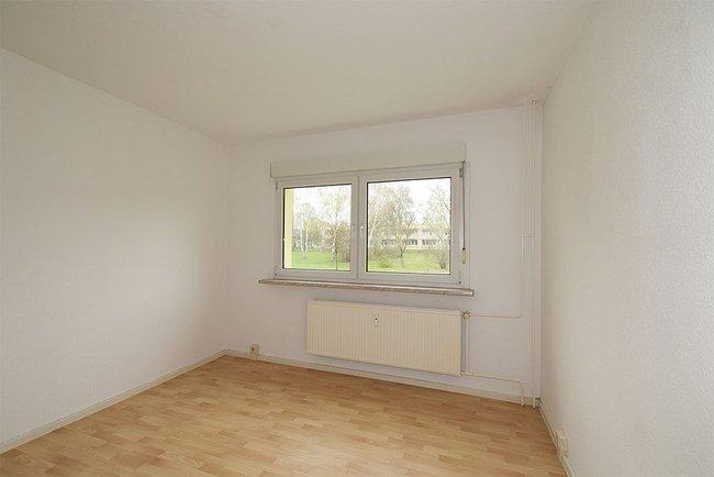 Schlafzimmer: 2-Raum-Wohnung Genthiner Straße 14