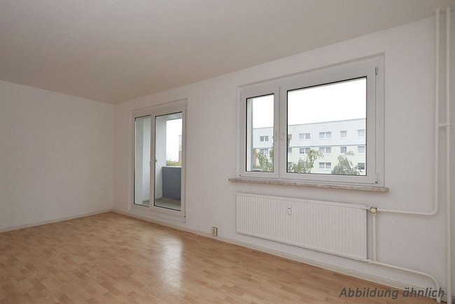 Wohnzimmer: 3-Raum-Wohnung Schilfstraße 13