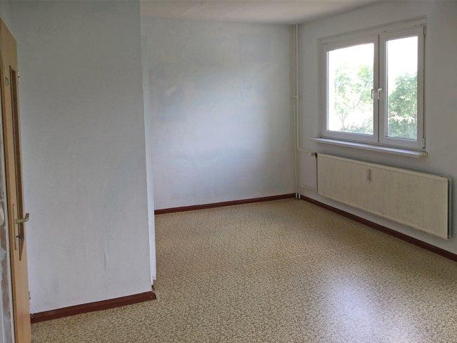 Wohnzimmer: 2-Raum-Wohnung Hanoier Straße 50