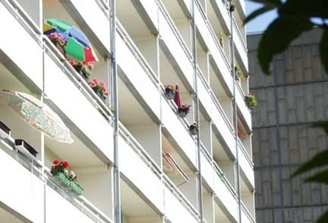 Balkonansichten: 1-Raum-Wohnung Rigaer Straße 10