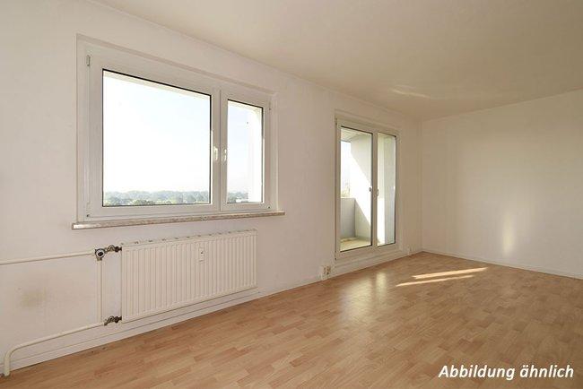 Wohnzimmer: 3-Raum-Wohnung Am Hohen Ufer 27