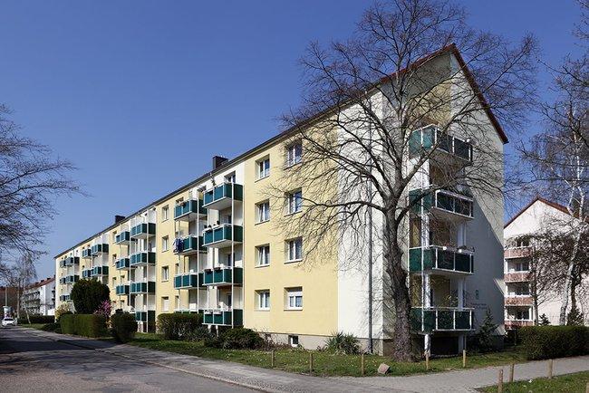 Hausansicht: 2-Raum-Wohnung Warschauer Straße 35
