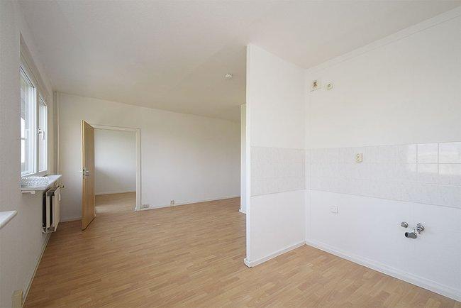 Küchenbereich: 2-Raum-Wohnung Weißenfelser Straße 23