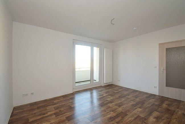 Wohnzimmer: 2-Raum-Wohnung Warschauer Straße 35