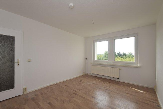 Schlafzimmer: 2-Raum-Wohnung Plutostraße 4