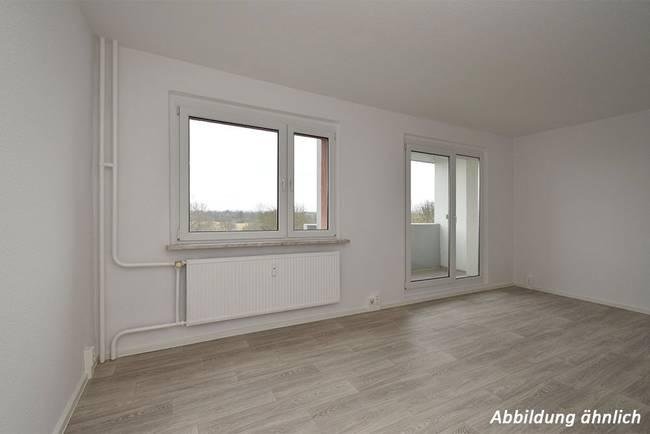 Wohnzimmer: 3-Raum-Wohnung Schilfstraße 3